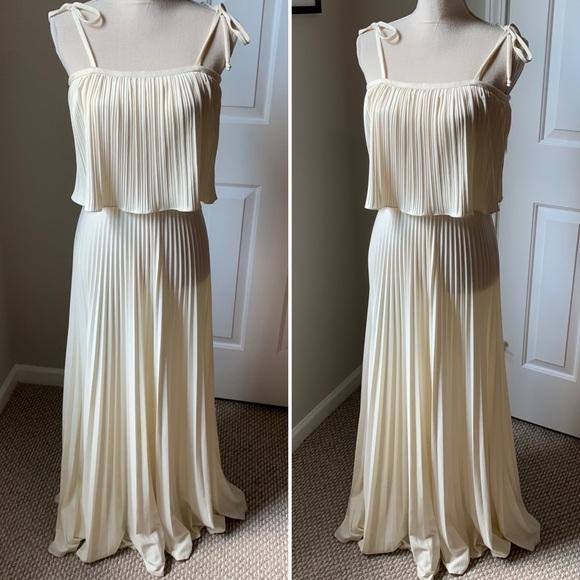 Vintage Dresses & Skirts - VTG Pleated Minimalist Maxi Dress